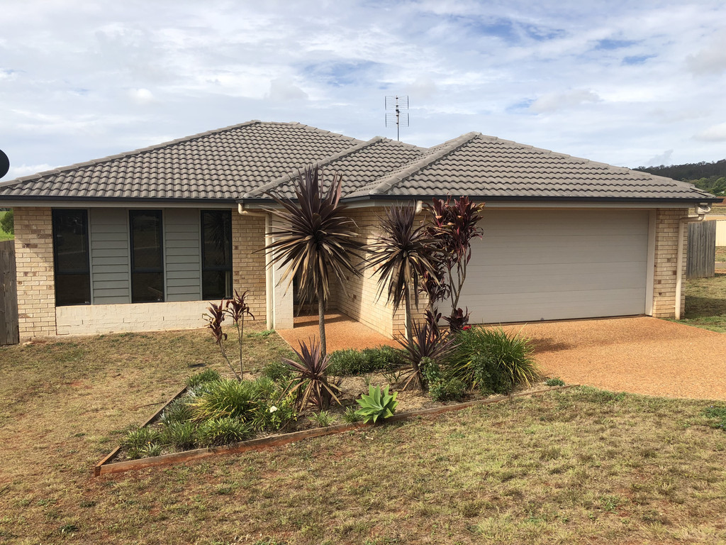 AIR-CONDITIONED NEAR NEW 4 BEDROOM HOME