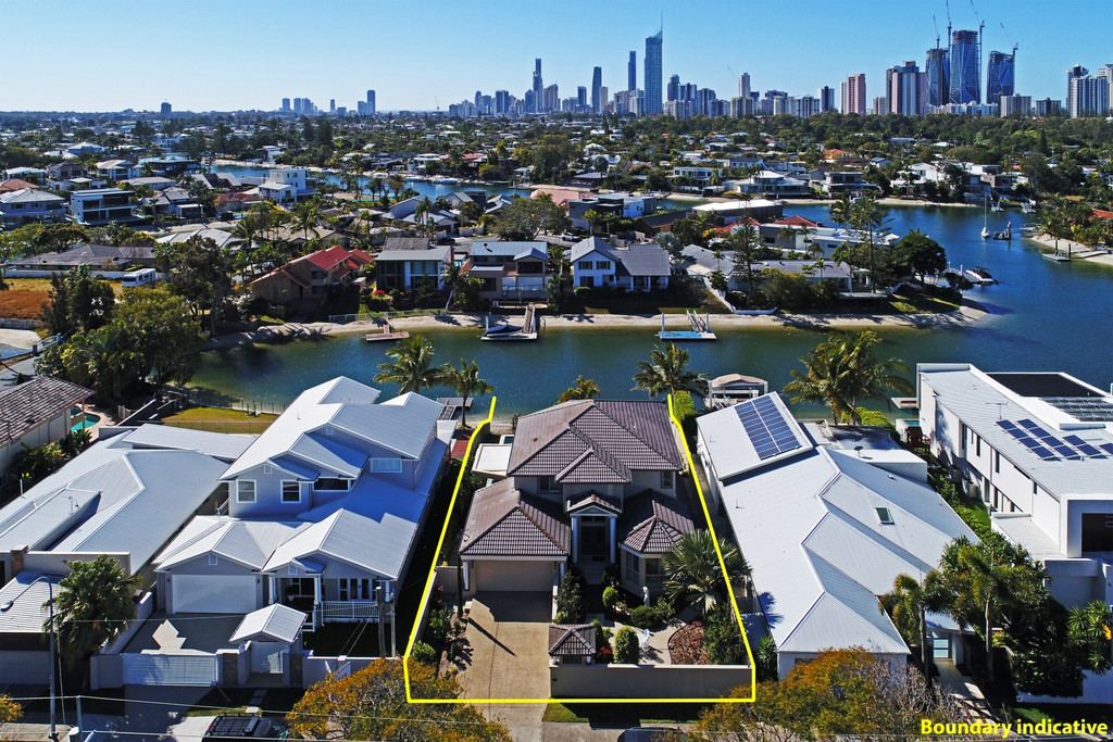 North to Water Grand and Elegant Residence on Golden Triangle Broadbeach Waters