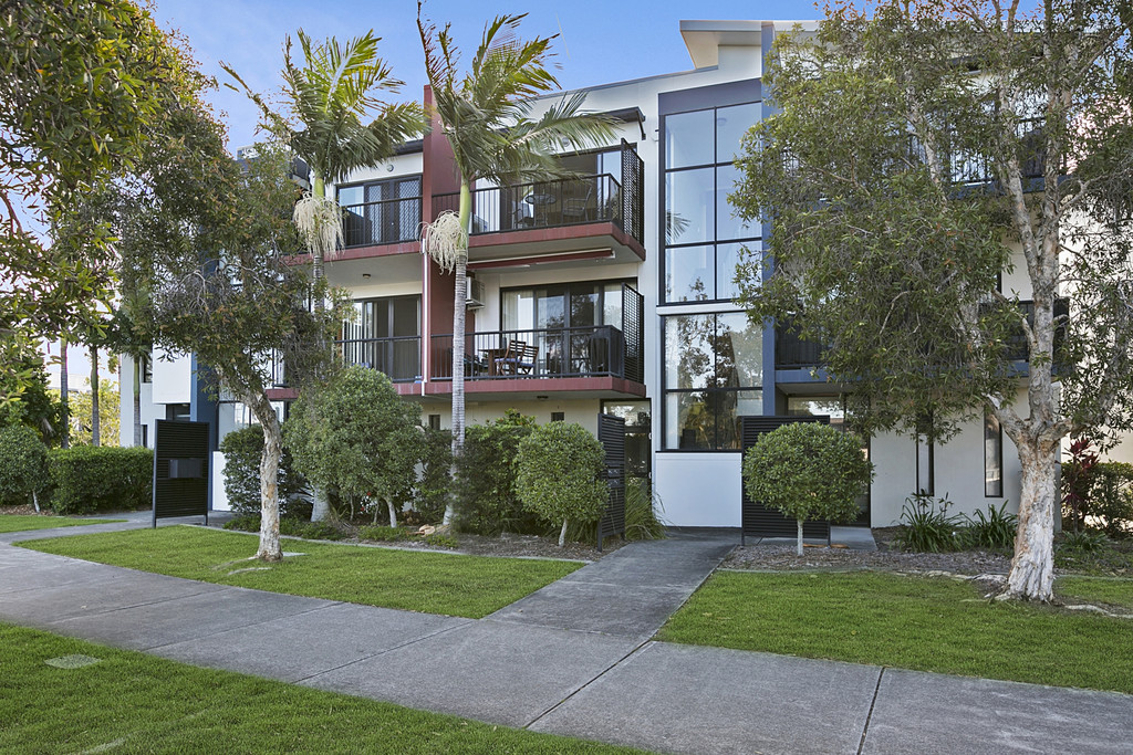 RABY BAY HARBOUR APARTMENTS