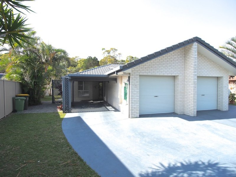 SPACIOUS DUPLEX SITUATED IN A QUIET LOCATION
