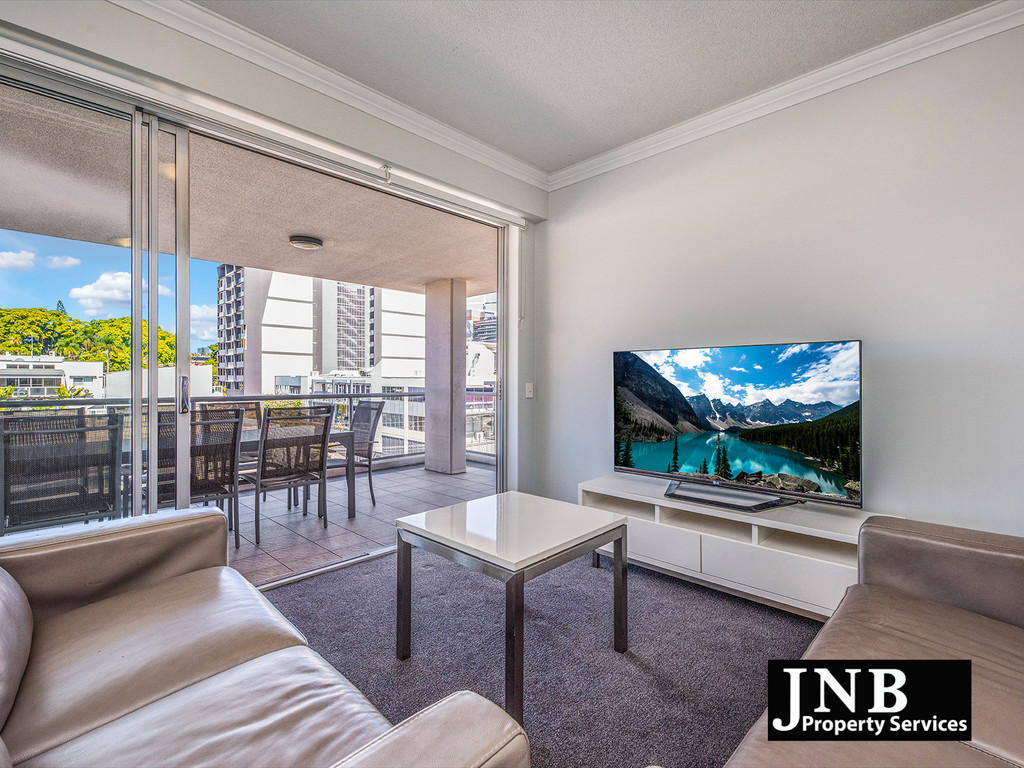City Views, Big Balcony + Furniture – Move In Now!