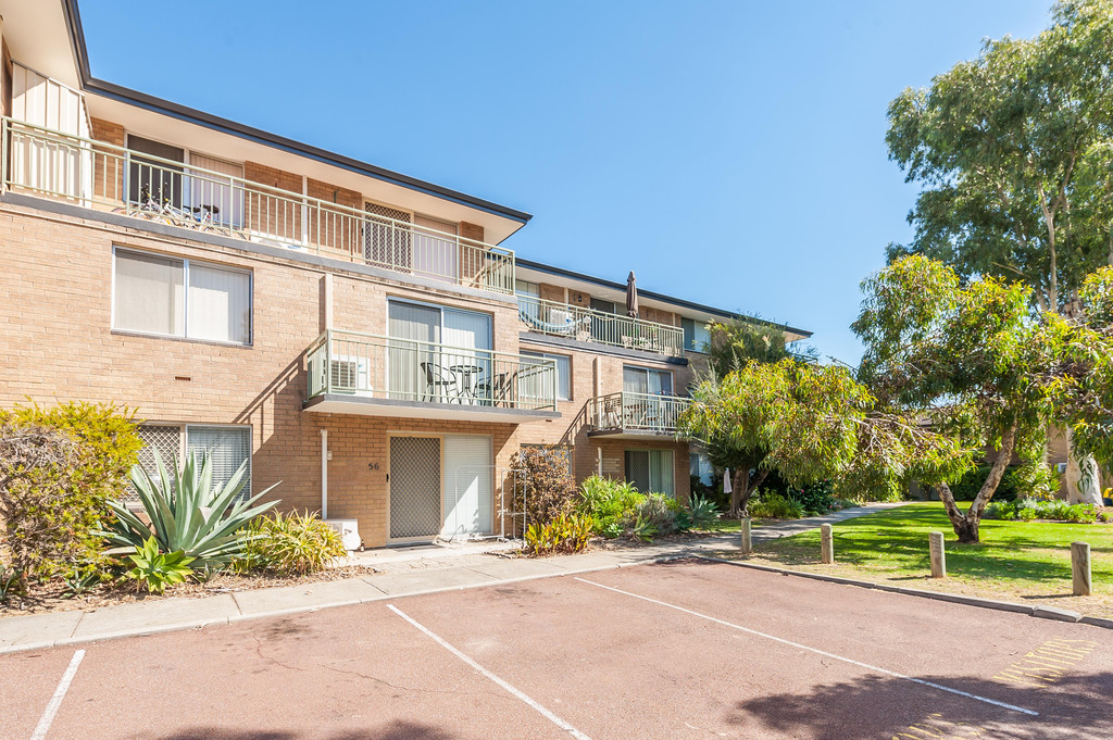 2 Bedrooms Apartment in Foreshore Location