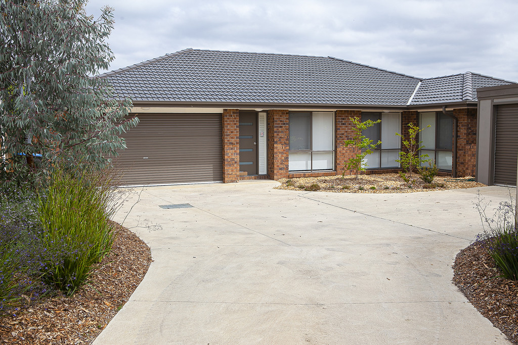 Modern Family Home in Quiet Street. Private Inspections available