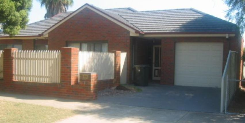 2 BEDROOM TOWNHOUSE, CENTRAL SHEPPARTON