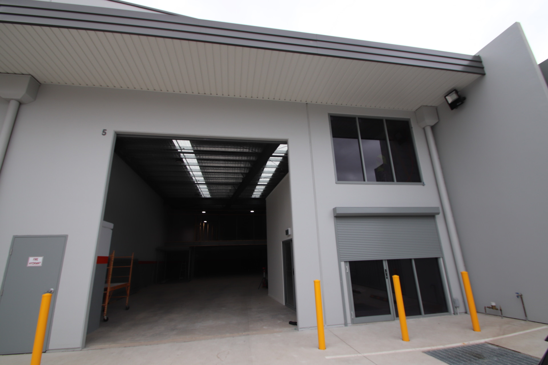 Exceptional Warehouse / Office and UG