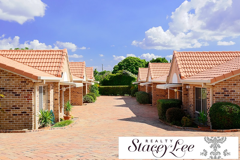 Looking for a ground floor villa in a small complex of 6??