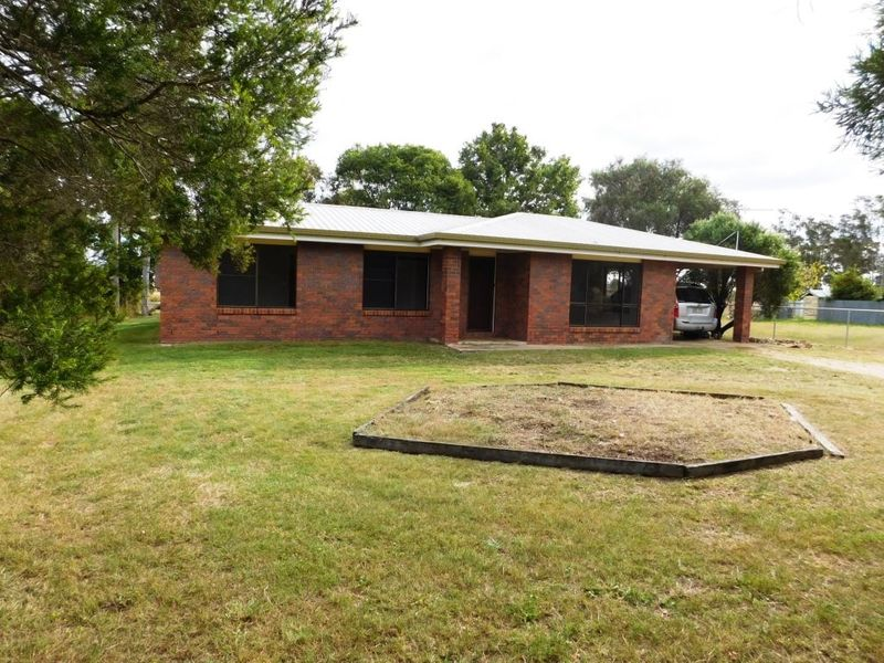TRANQUIL RURAL SETTING – READY FOR THE FAMILY TO MOVE INTO – 3 BEDROOM LOW SET BRICK – PURGA