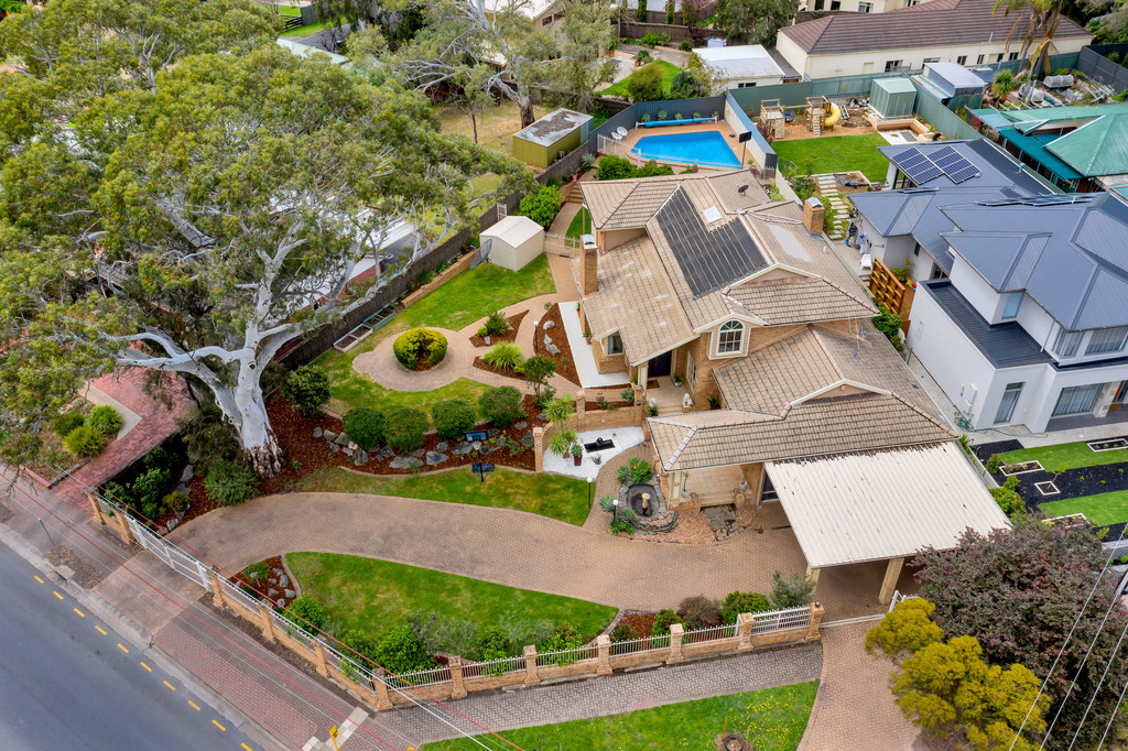 Sensational family entertainer with solar swimming pool over two coveted corner allotments in prestigious Stonyfell