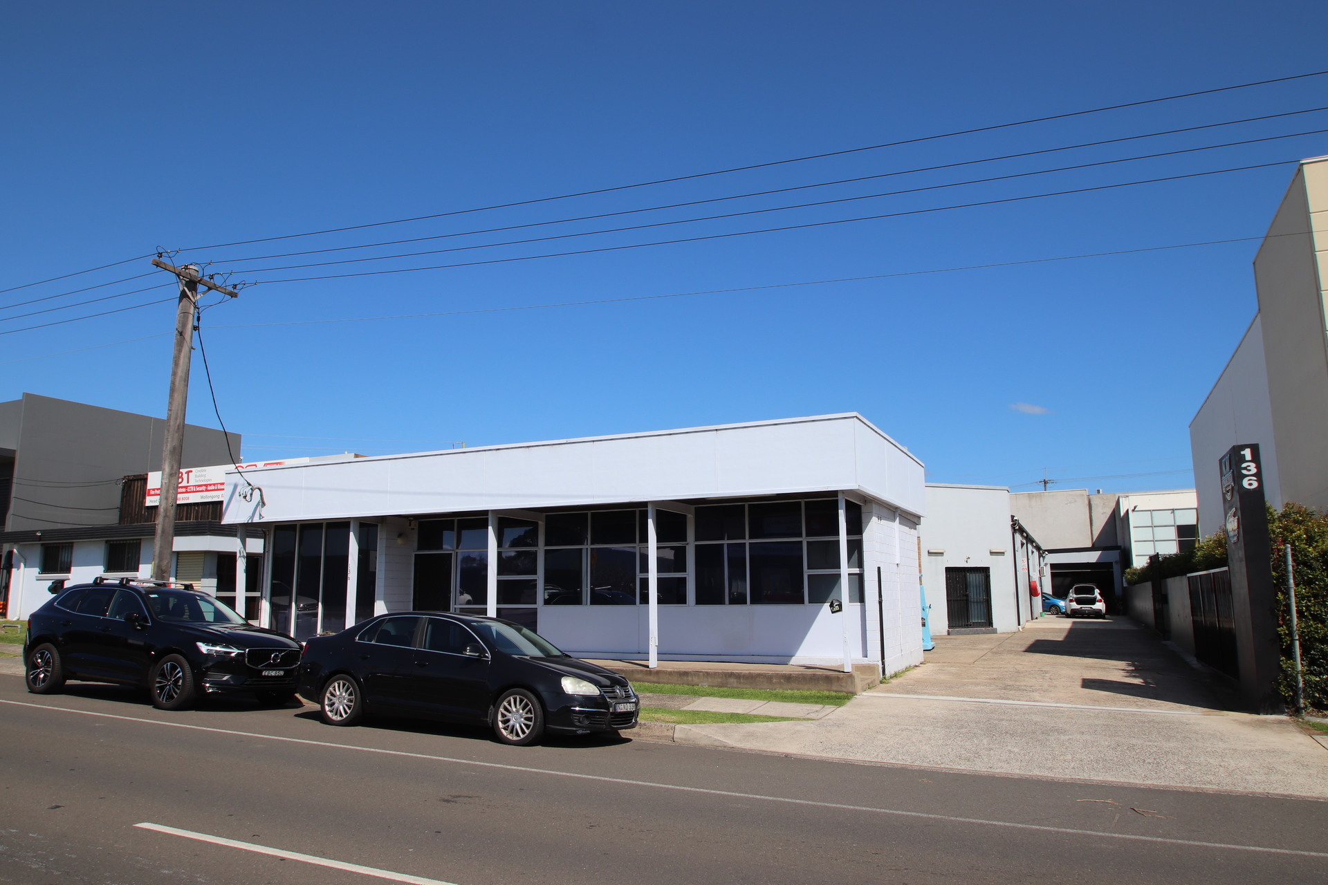 WOLLONGONG CBD WORKSHOPS + OFFICES