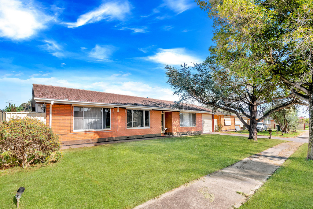 Double Brick Family Home, Conveniently Located on 600sqm Allotment + 21.31m Frontage