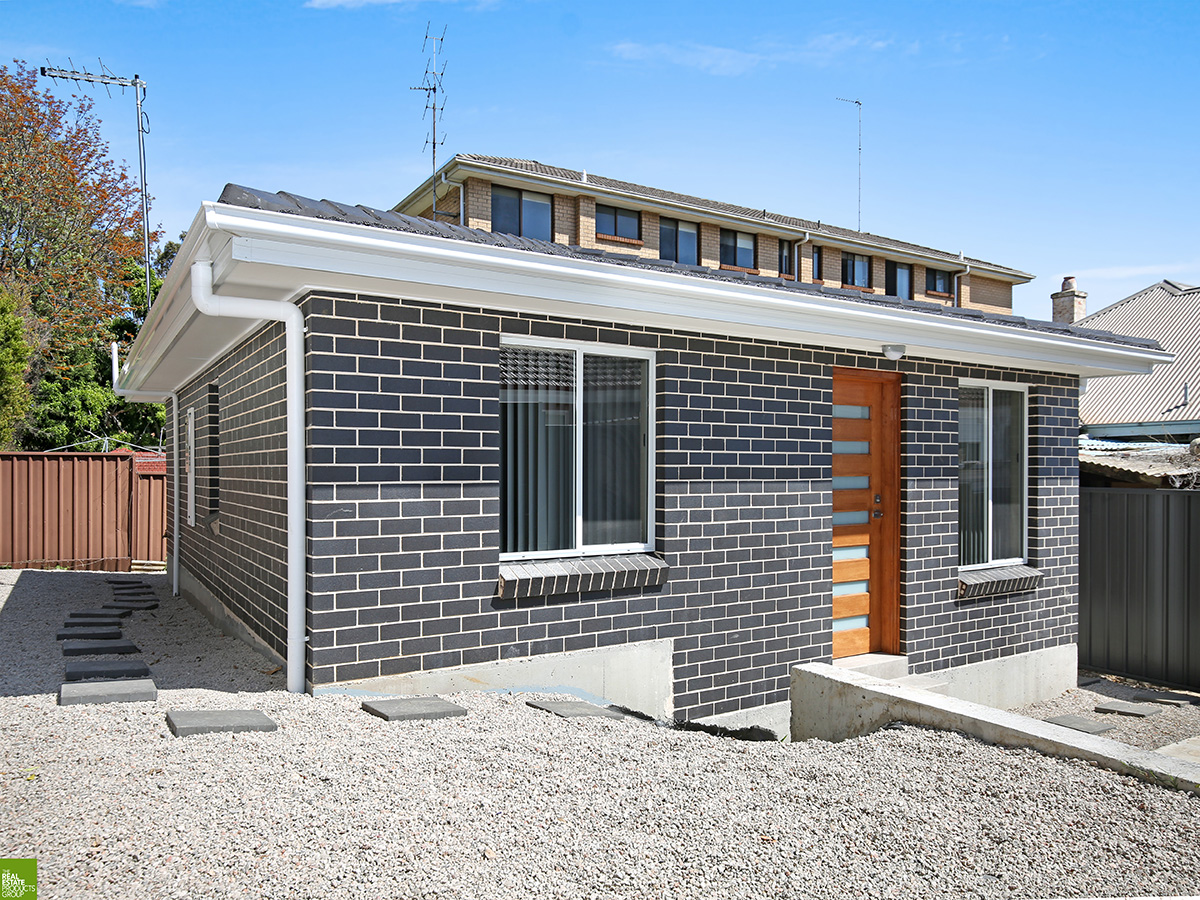Brand New Free Standing Villa Style Home