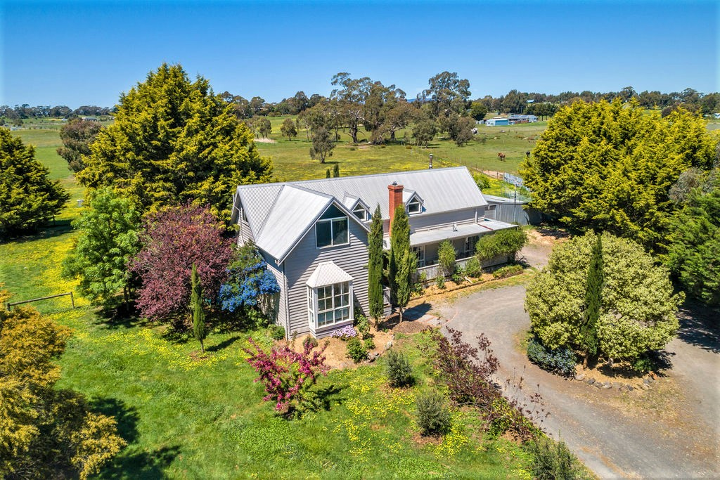 'THORNBROOK COTTAGE' – AFFORDABLE COUNTRY HOUSE ON ACREAGE