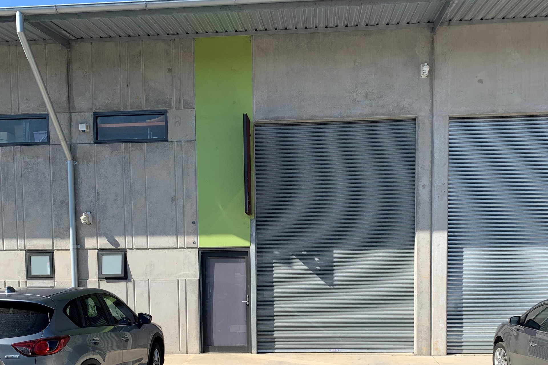 Warehouse in Highly Sought Location