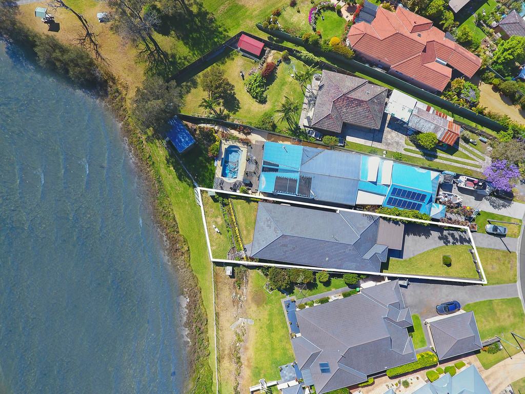 Absolute Waterfront Living on Lake Illawarra with Panoramic Views