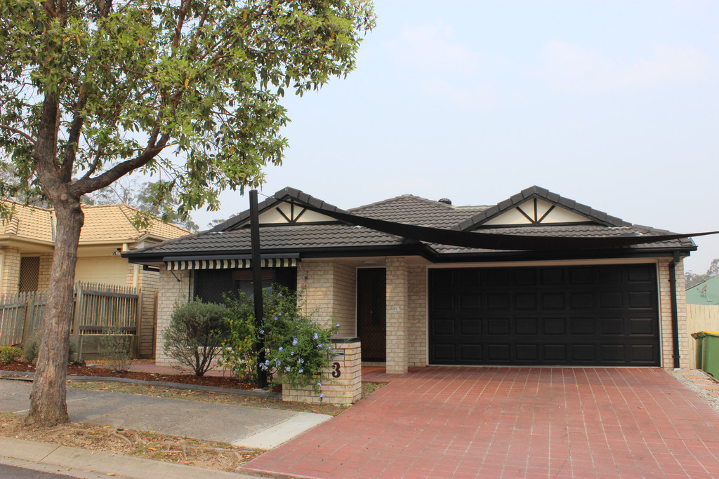 ESTABLISHED 4 BEDROOM FAMILY HOME IN SPRINGFIELD LAKES