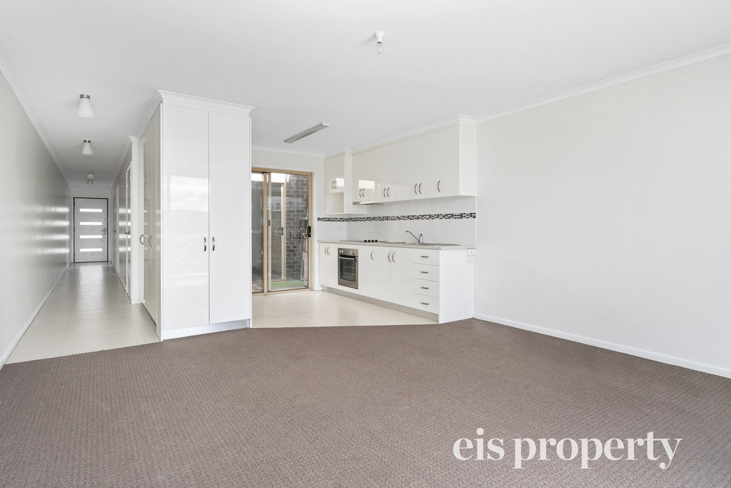 Picturesque water views and a relaxed lifestyle opportunity