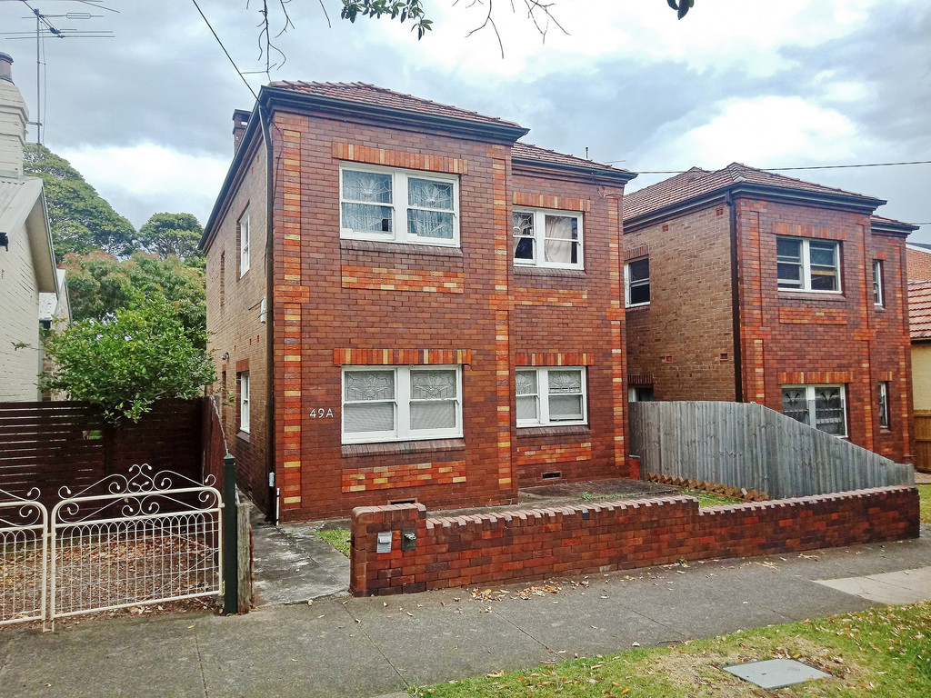 Expansive 2 Bedroom + Unit Close to Ashfield Shops/station