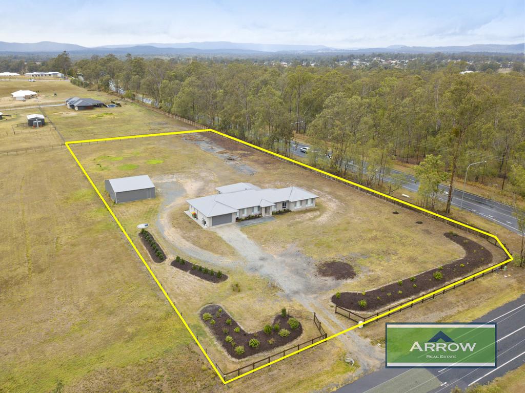 Large Family Home in Evergreen Ridge Estate Jimboomba