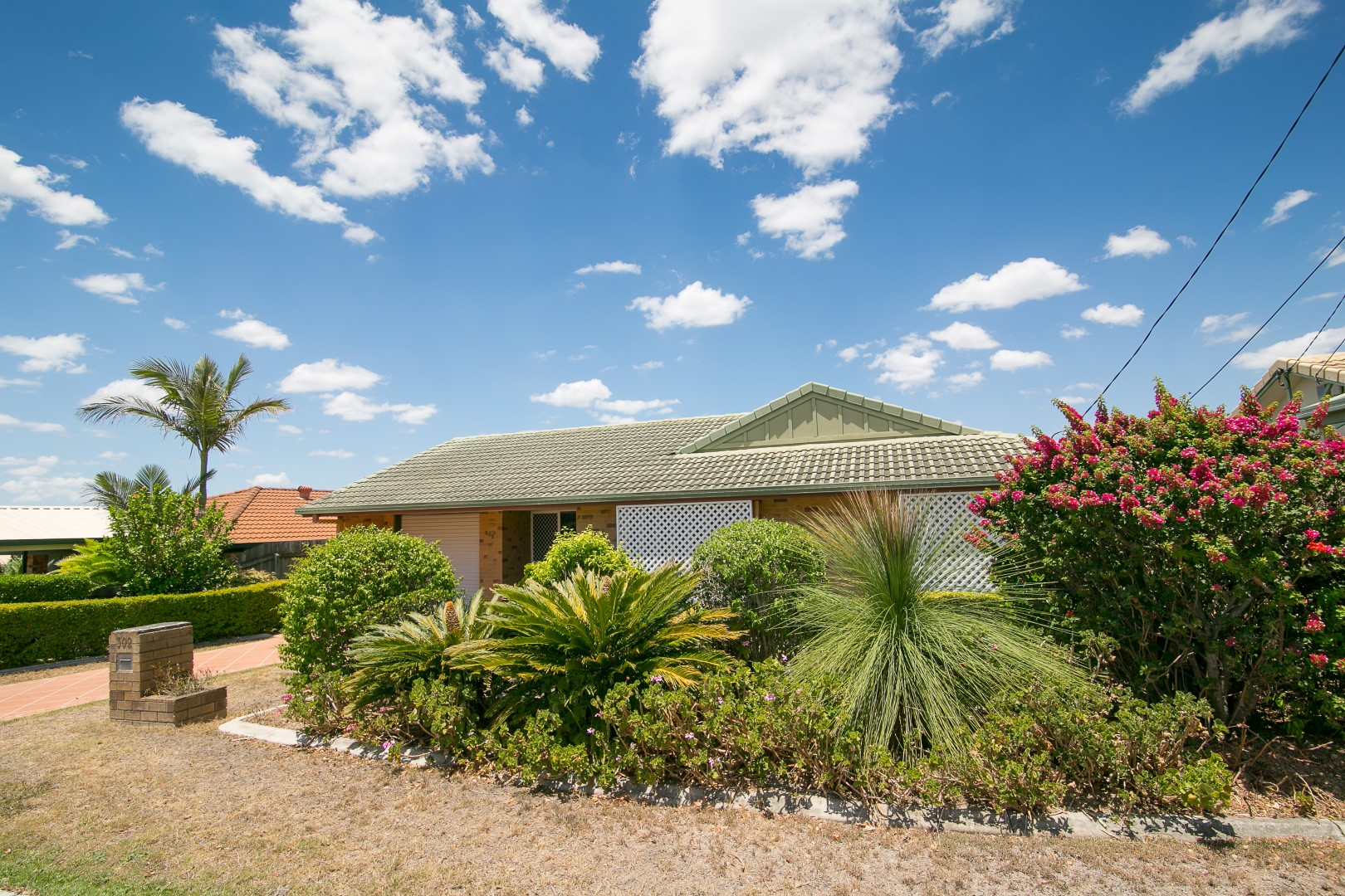 FEATURE PACKED ENSUITED FAMILY HOME