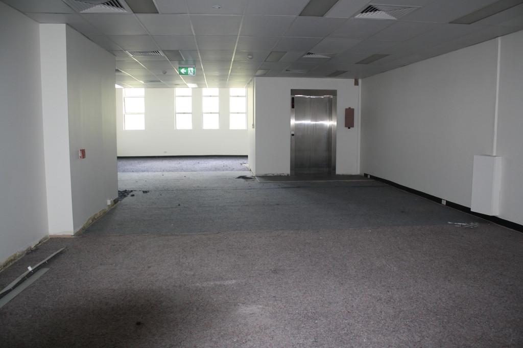 Showroom / Retail Floor 323 m2 on Queen Street  Mall