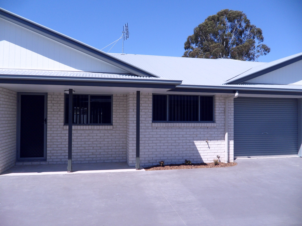 Unit in complex Close to Town – Take Over Lease