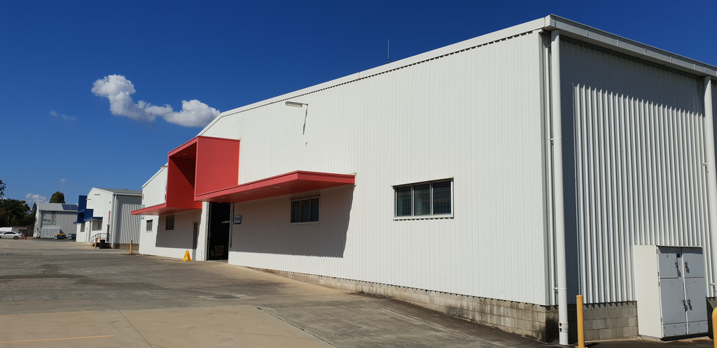 WAREHOUSE WITH OFFICE – IPSWICH