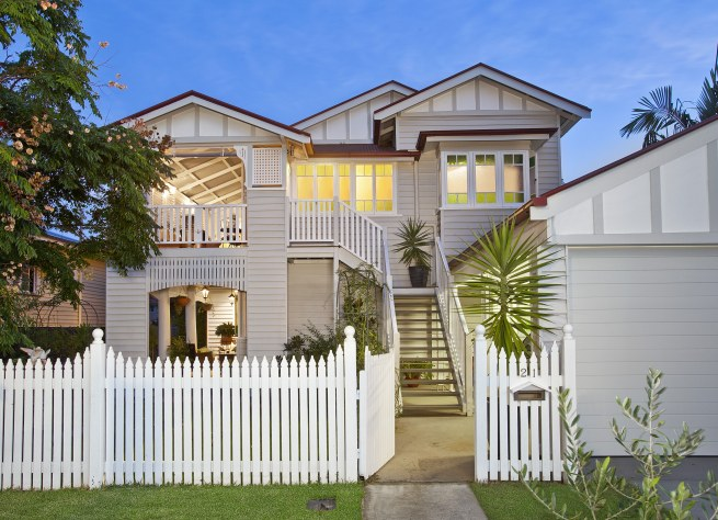 SOLD IN CONJUNCTION WITH BELLE PROPERTY BULIMBA