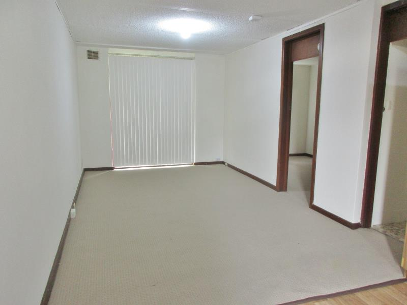 UNFURNISHED APARTMENT IN MOUNT LAWLEY!