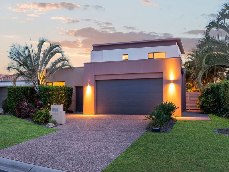 MODERN, PARKFRONT HOME IN GRACEMERE.