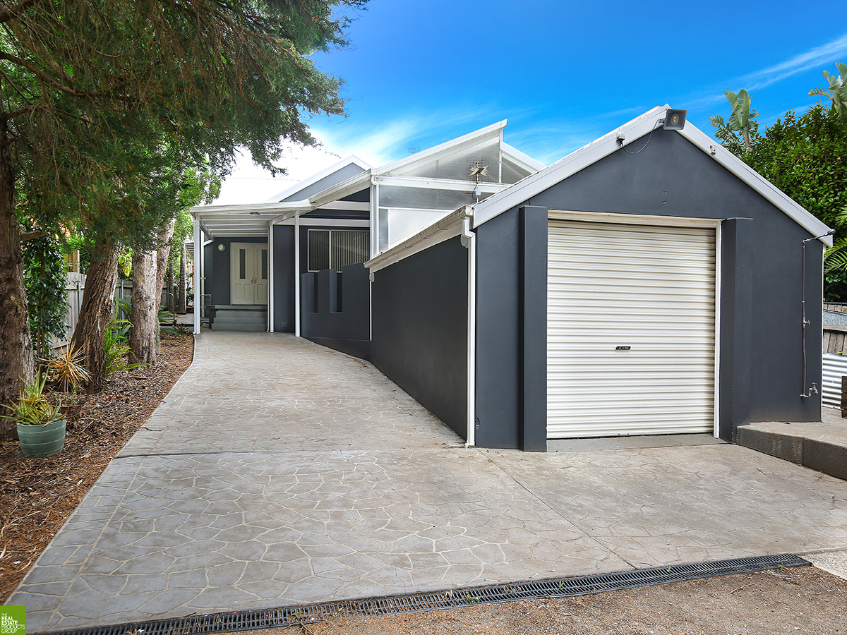 Large Family Home in an Ideal Location!