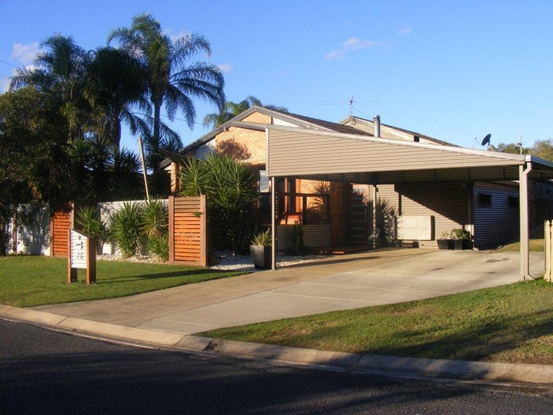 3 Bedroom lovely roomy home with study