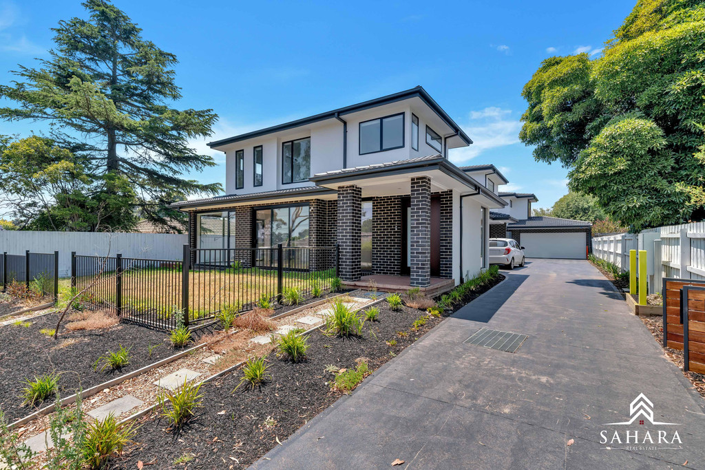 Three Bedrooms Family House close to Glen Waverly Shopping Centre