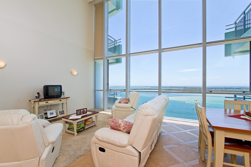 The Best the Broadwater has to Offer – Spectacular Penthouse