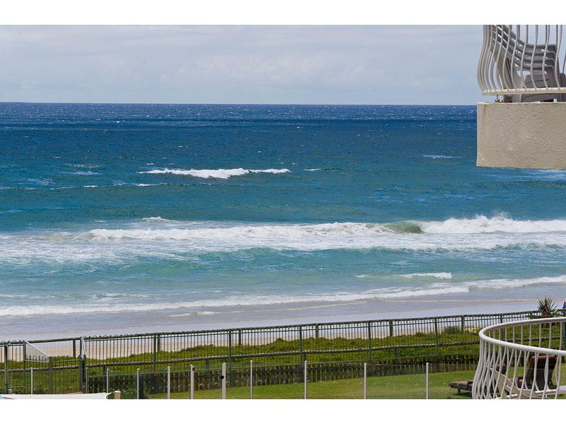Absolute Beachfront – Ocean Views – Pet Friendly