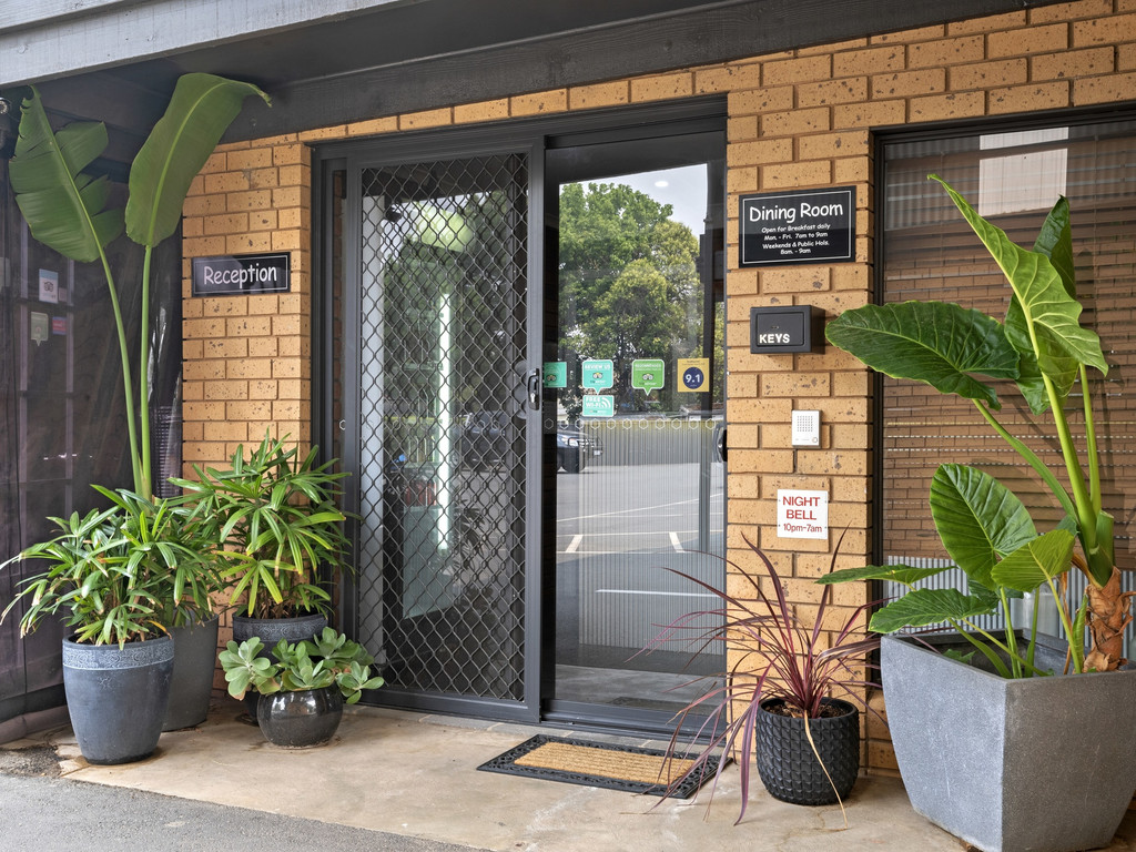 Rock solid Freehold Motel in high performing regional city