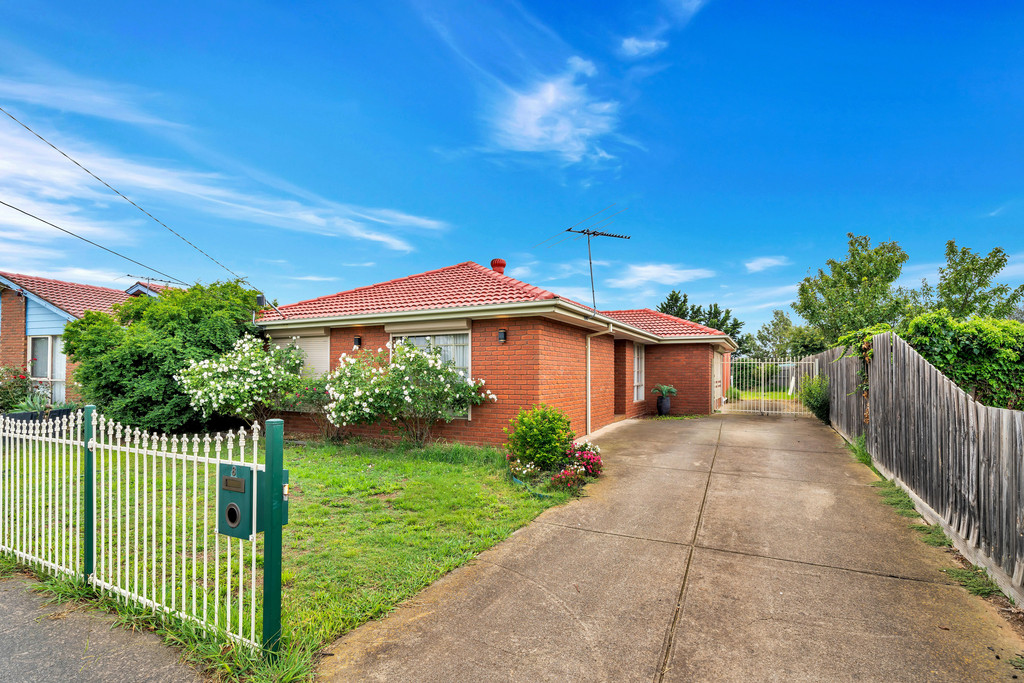Four Bedroom Family Home !!!