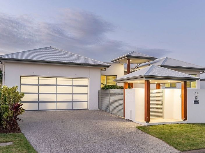North facing – Modern – Spacious – Exceptional!