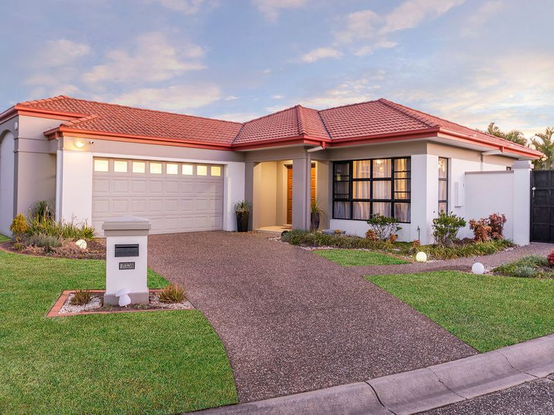 LOVELY LOWSET FAMILY HOME
