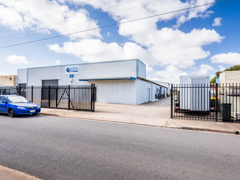 Semi Leased Investment – Duel Road Frontage!