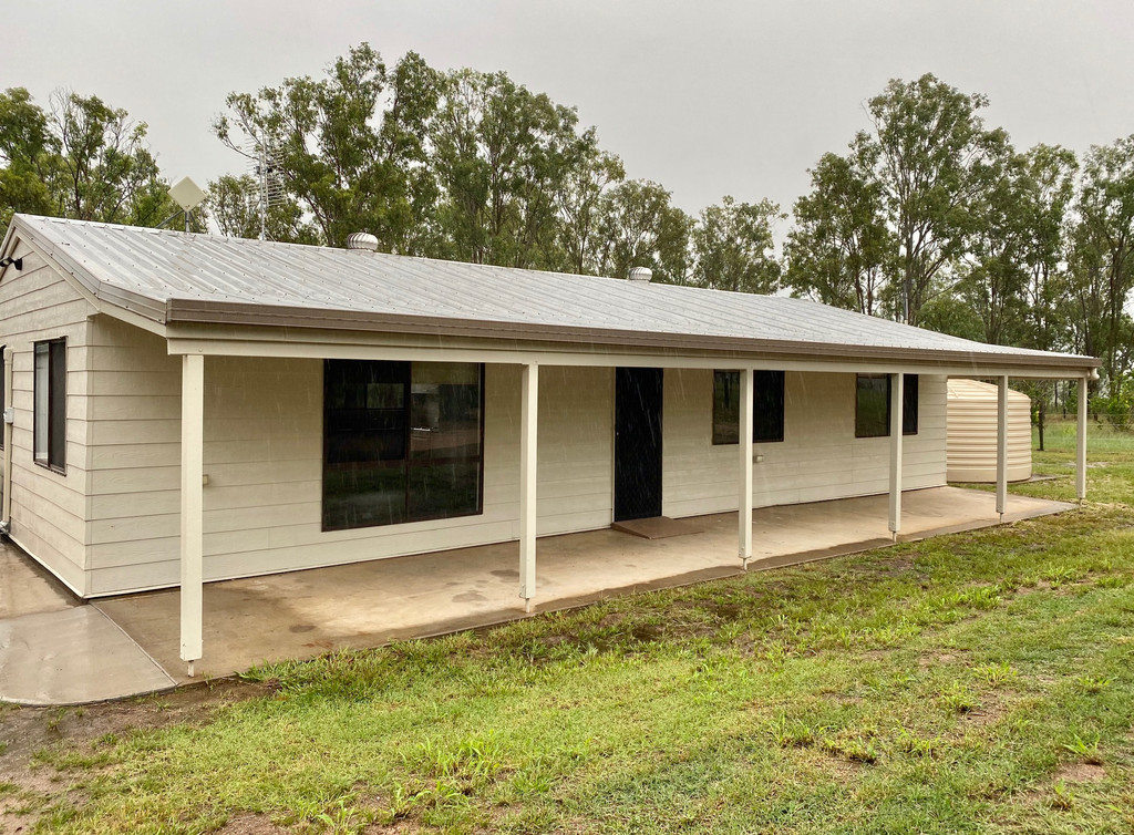 Renovated Cutie set on 10 Tranquil Acres