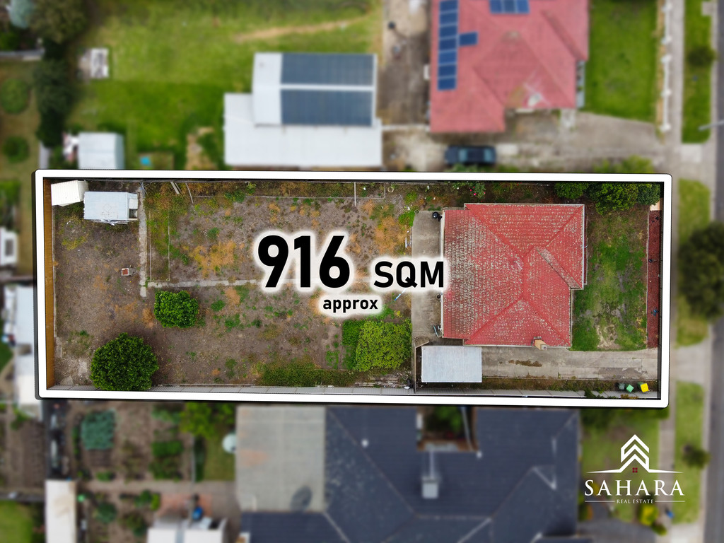MASSIVE LAND WITH THE HOUSE RIGHT IN HEART OF RESERVOIR!!!!!!