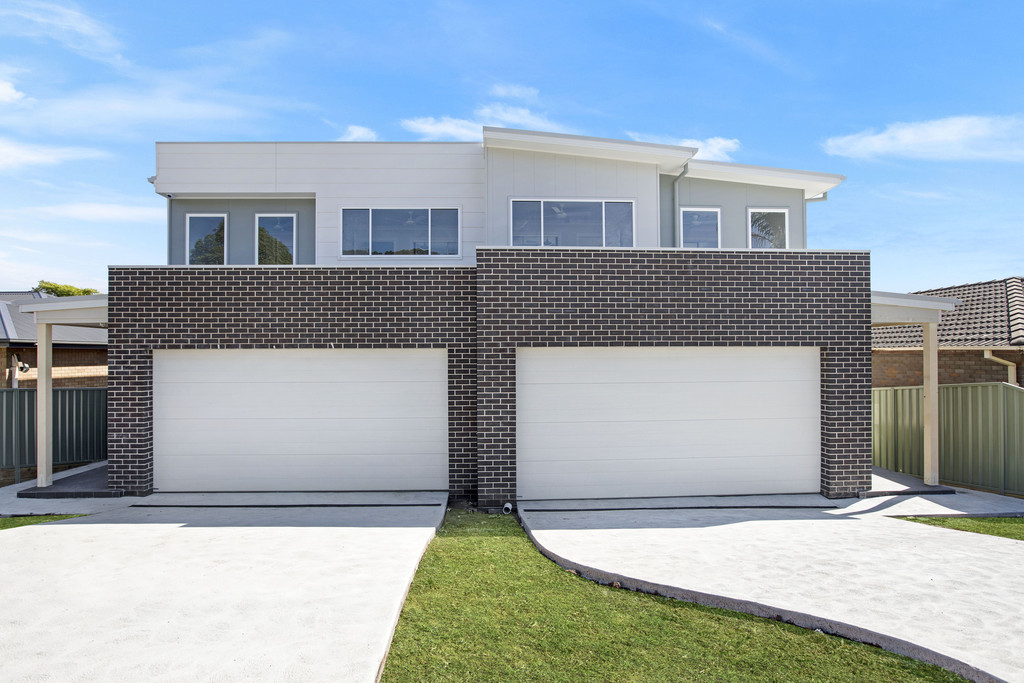 16 & 16A  WOODLANDS DR, BARRACK HEIGHTS