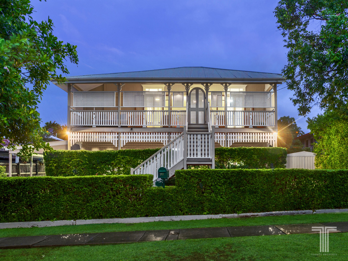 Quintessential Queenslander in Coveted Camp Hill