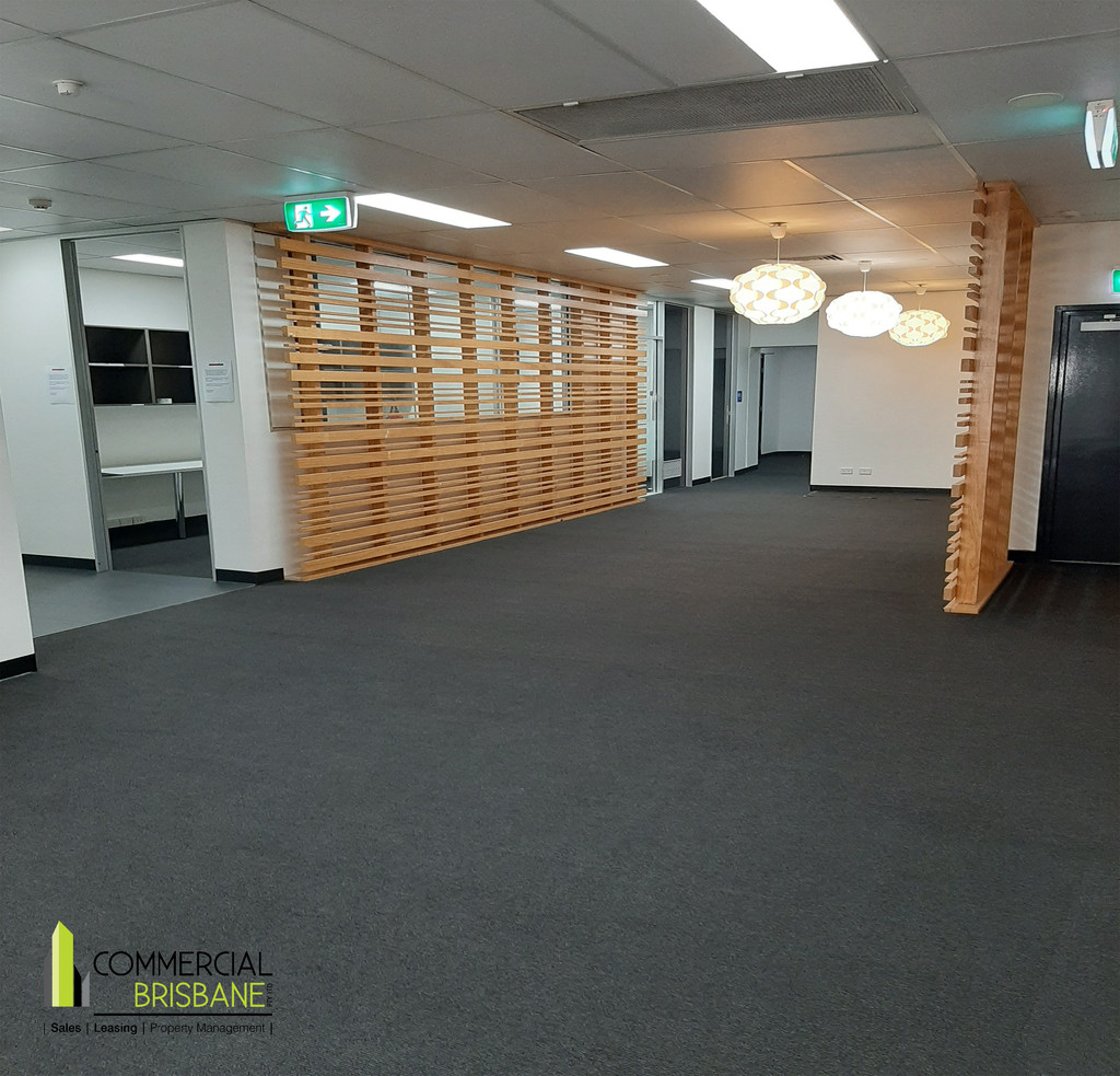 Educational Offices over 2 full floors – 663 m2