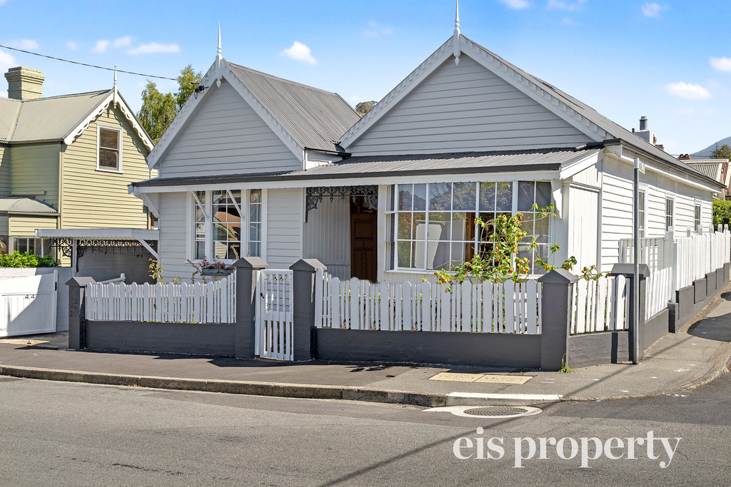 Delightful C1915 Character Cottage