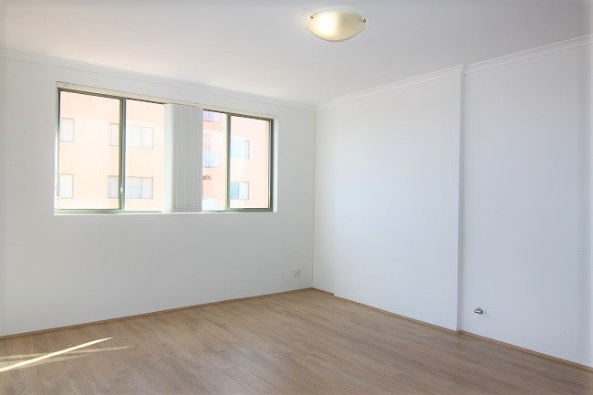 Light filled 1-bedroom apartment with floorboards