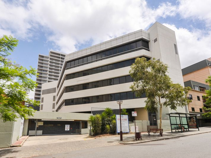 DEVELOPER OPPORTUNITY – WELL BELOW REPLACEMENT COSTS – 3400sqm Contiguous Fitted Out Office Space – Whole Building – 1,770 sqm site