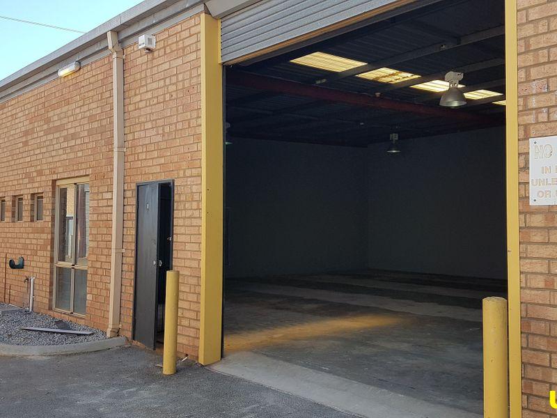 183 sqm warehouse