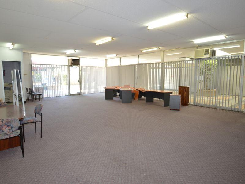 103sqm – Office/Retail Suite in Prime Location