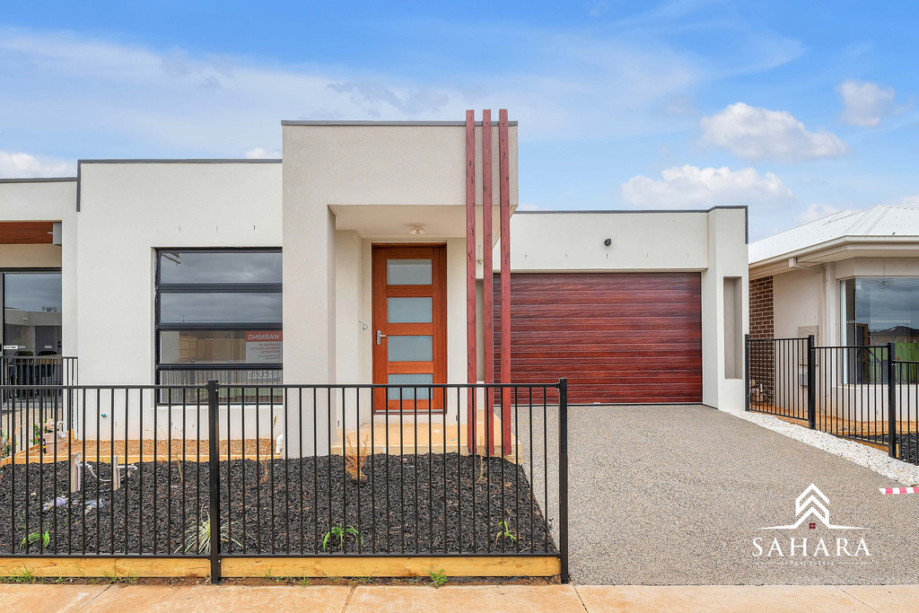 Perfect 3 Bed Family Home In Elpis Estate …… CALL us for private inspections !!!!